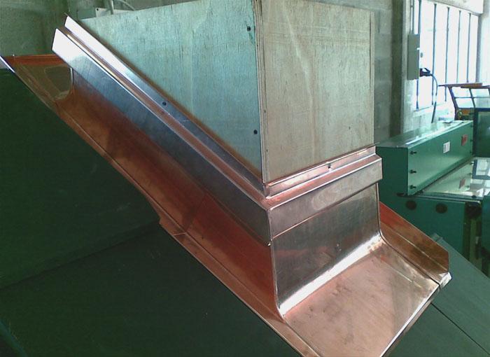 Conversa su misura manifattura metalli monterosa for Camino con finestre su ogni lato